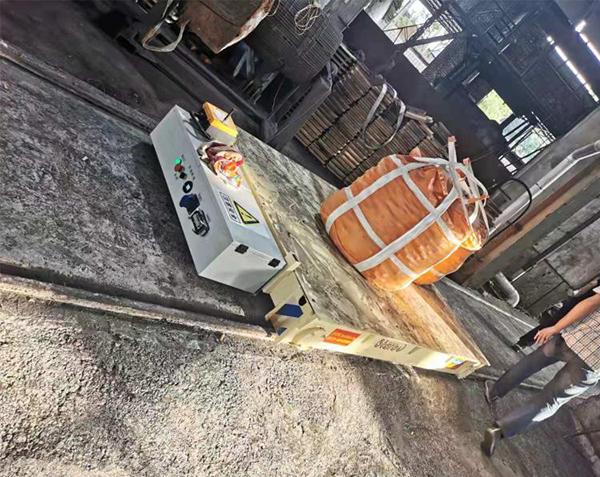 5吨锂电池铁水包轨道转运车视频